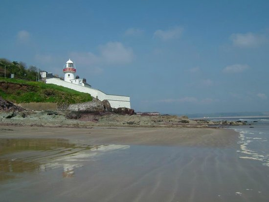 Leahys Lee House: youghal lighthouse