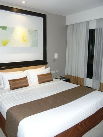 Somerset Park Suanplu: king bedroom