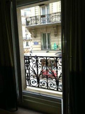 هوتل سانت بيوفي: Window Balcony View