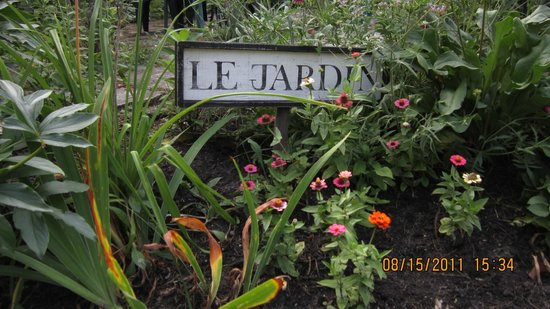 Evergreen Gate Bed and Breakfast: Le jardin vous attend...
