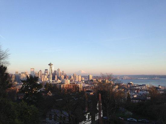 Kerry Park: Seattle postcard