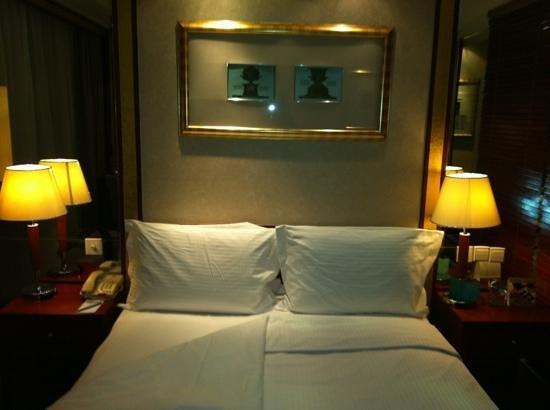Mercure Xian on Renmin Square: standard room