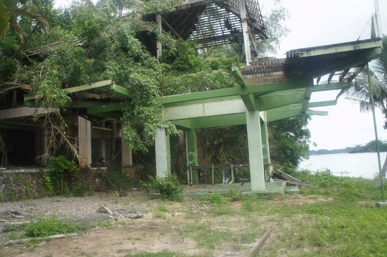 Navy Island : Abandoned structure