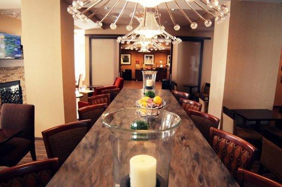 Hampton Inn Charlotte - Uptown: Lobby Seating