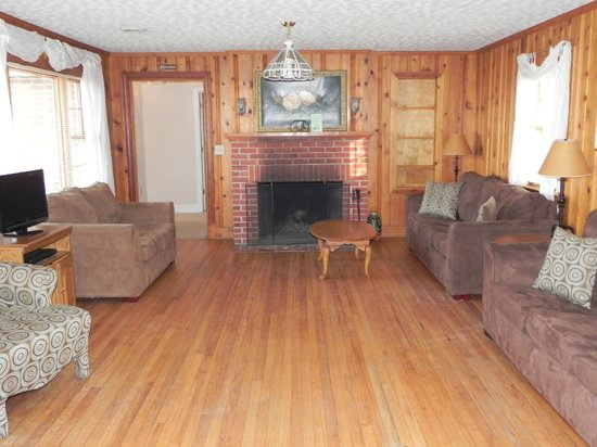 Westmoreland State Park: One of the living rooms..