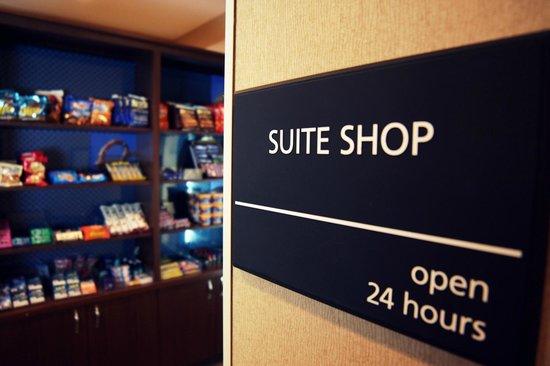 Hampton Inn Charlotte - Uptown: Suite Shop