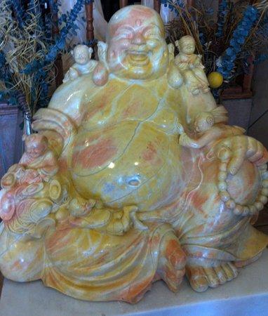 Green Earth Vegetarian Cuisine: The Buddha Eats here too!