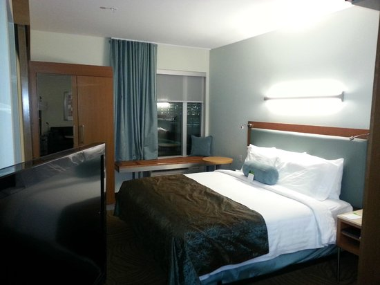 SpringHill Suites Denver at Anschutz Medical Campus: exactly like the hotel photos. Beautiful