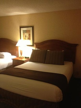Red Lion Hotel Redding: our queen beds