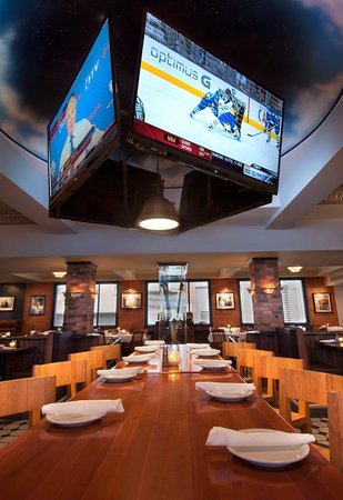 Photo of American Restaurant Wayne Gretzky's Toronto at 99 Blue Jays Way, Toronto, ON M5V 9G9, Canada