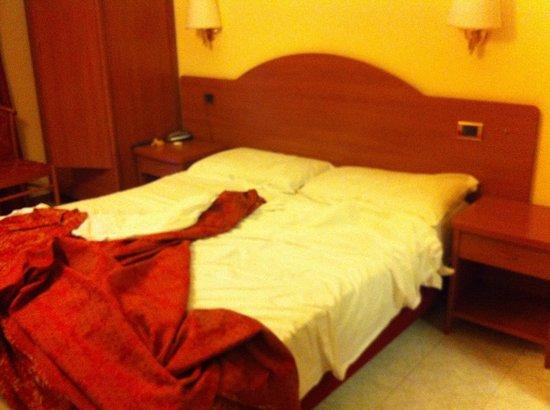 Hotel RomAntica: Habitación