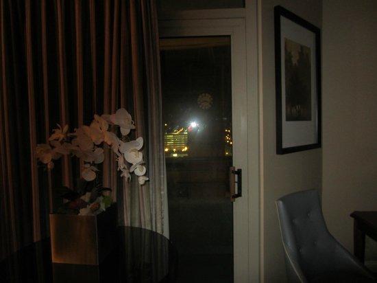 Omni Severin Hotel: Balcony door of suite