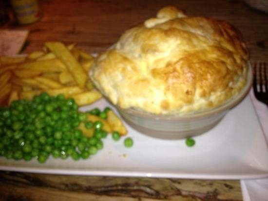 The Trent Lock: chicken and mushroom pie yum!!