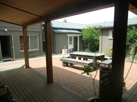Wanaka Bakpaka: Backyard