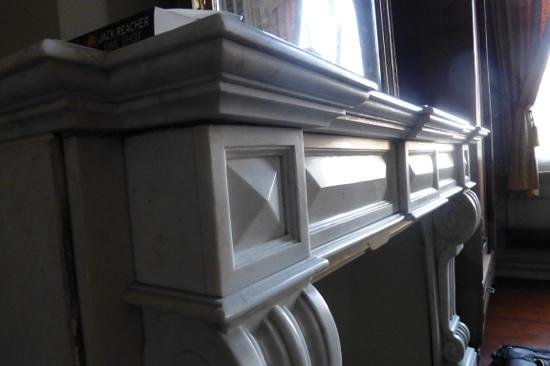 Onderland: marble fireplace