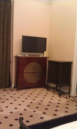 Mansion Hotel: More storage