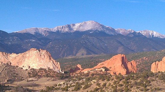 Garden of the Gods Club and Resort: The view from sitting area/deck
