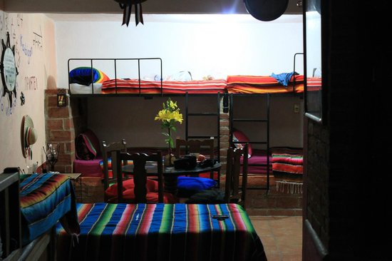 Casa de Dante Hostel: Habitación compartida
