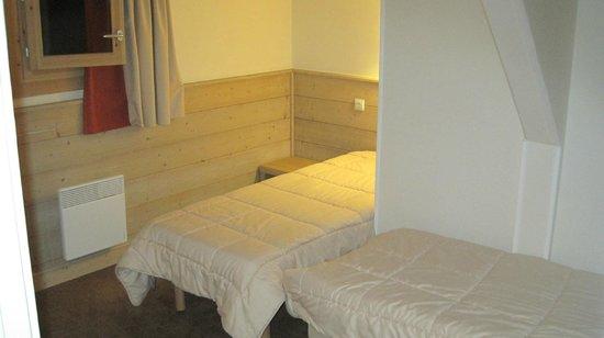 Pierre & Vacances Residence Plagne Lauze: Bedroom twin beds
