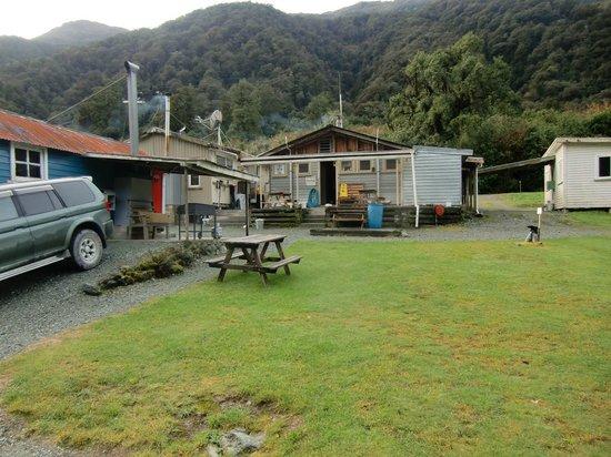 Gunn's Motor Camp