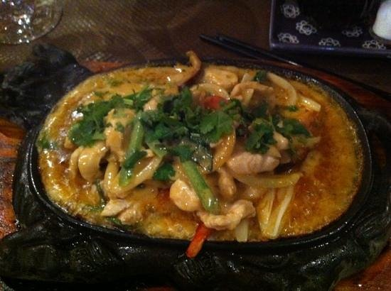 Pink Lotus : curry de poulet au basilic thaï
