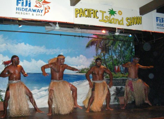 Fiji Hideaway Resort & Spa: Evening show