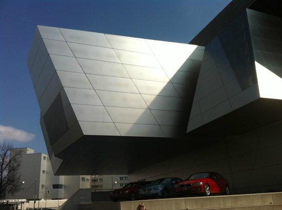 Leonardo Hotel München City Center: BMW Musem