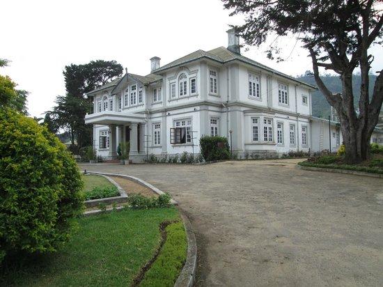 Ceybank Rest: la façade de l'hotel