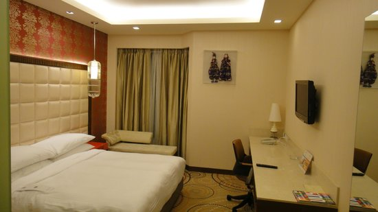 The Metropolitan Hotel & Spa: room