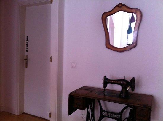 Lisbon Story Guesthouse: Corridor
