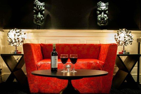 42 The Calls: Lounge Area