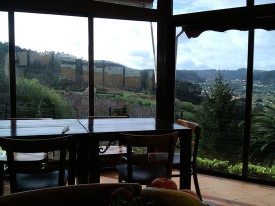 Hostal Leira Antiga: Comedor con vistas a Cedeira