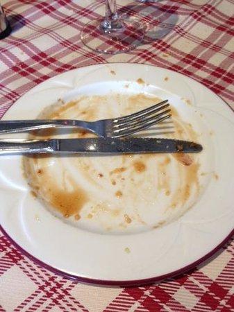 Restaurant de l'hotel Croix Blanche : c était la tarte Normande avec son coulis de caramel...