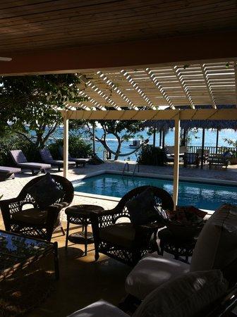 Jakes Hotel, Villas & Spa: Villa Sitting Area and Pool
