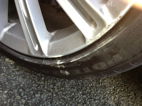 Renaissance Manchester City Centre Hotel: scuffed alloys from valet