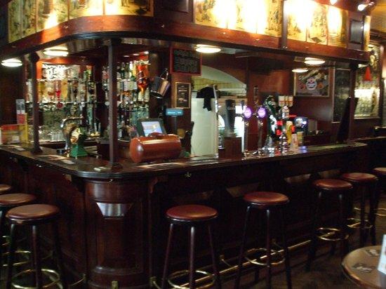 Rear bar picture of oliver twist pub zurich tripadvisor for Seafood bar zurich