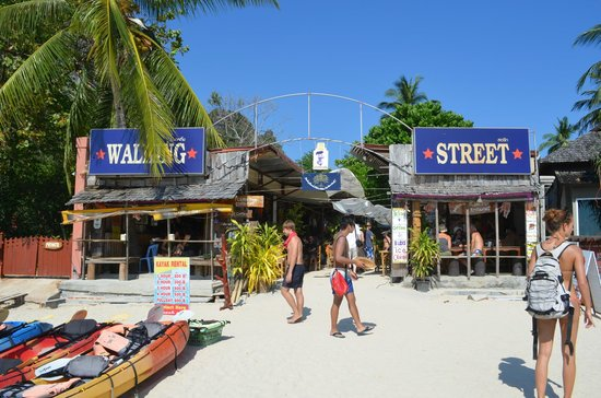 Walking Street (locals sell things here) - Picture of Railay Bay Resort & Spa, Railay Beach
