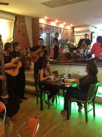 Kubli's Cafe Bistro: live music!