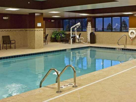Hampton Inn Oxford University Area: Indoor Pool