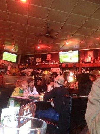 Hi-Life Bar & Grill: general view of the inside of hi life