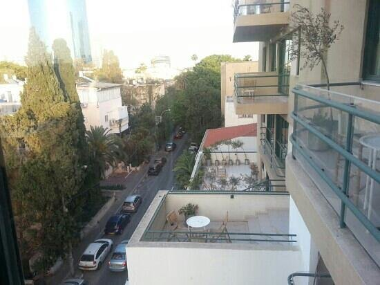 The Diaghilev, LIVE ART Suites Hotel: our view of Mazeh street from a 5th floor suite
