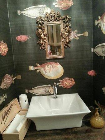 Anche i bagni chic sono degni di nota ;) - Foto di Hosteria ...