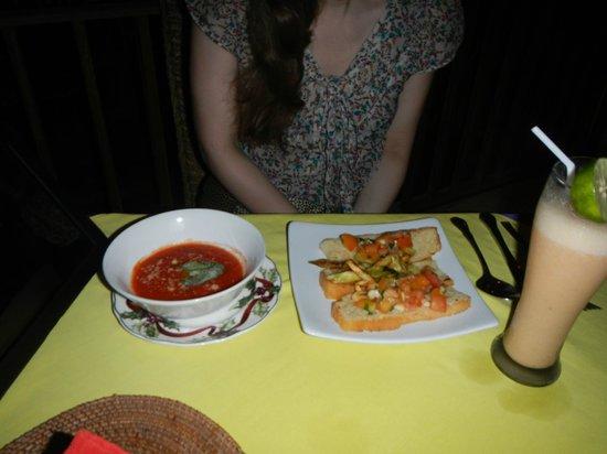 La Madre: Брускетта с помидорами была вкусной, остальное - нет