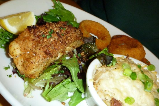 Off the Hook Raw Bar and Grill : The special...Tile Fish...good