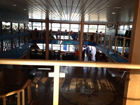 Balearia Caribbean: adentro del bote