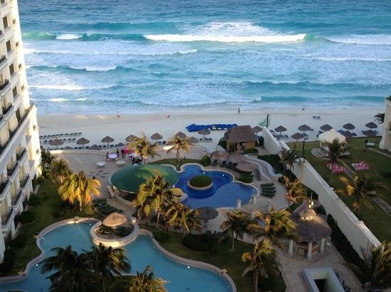 JW Marriott Cancun Resort & Spa: view from our 11th floor balcony