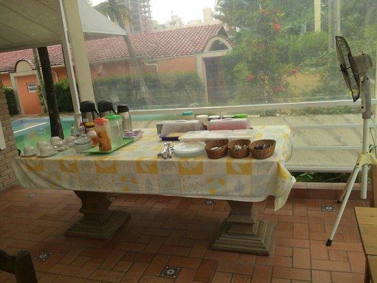 Guaruja Hostel: Otimo Cafe da manha.
