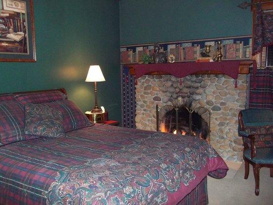Arbor Hill Inn: Bedroom - Lady of the Lake