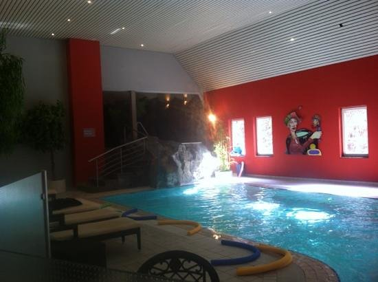 Hotel International : la piscine