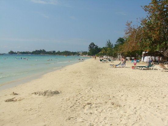Azul Sensatori Jamaica : View of the beach.